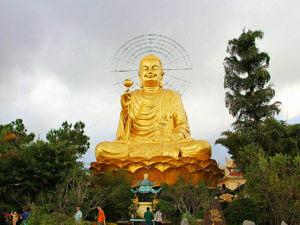 Большой сидящий будда Далат