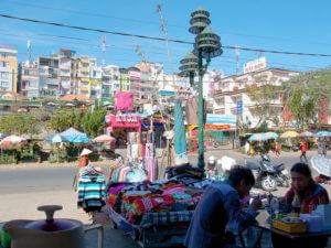 Рыночная площадь в Далате ранним утром