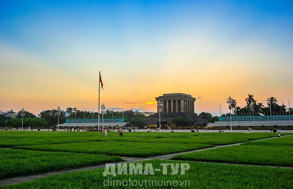 Ханой мавзолей Хо Ши Мина