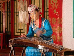Музыкальные инструменты Вьетнама. 36-струнная цитра