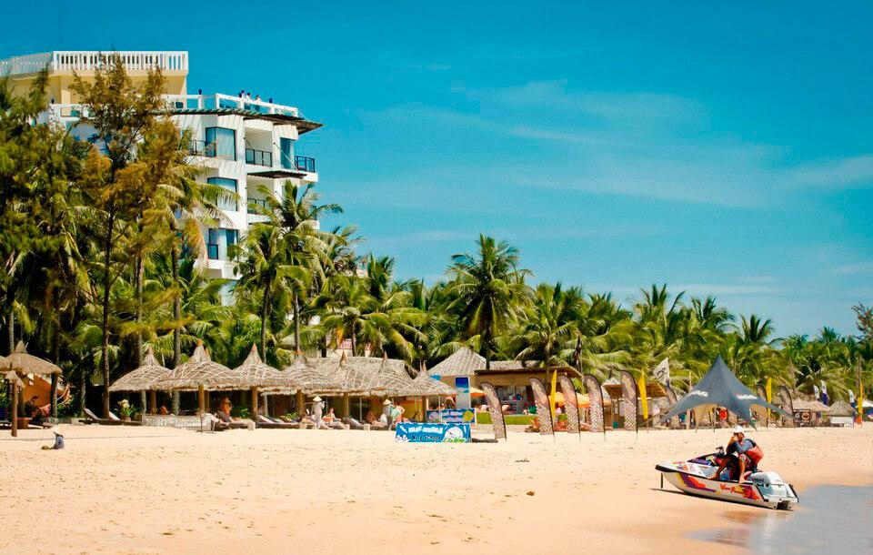 Пляж у отеля Unique. Муйне