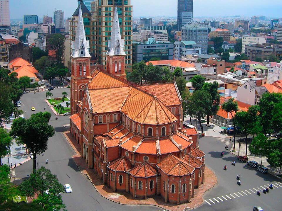 Нотр-дам-де-Сайгон. Католический собор в Сайгоне. Вьетнам