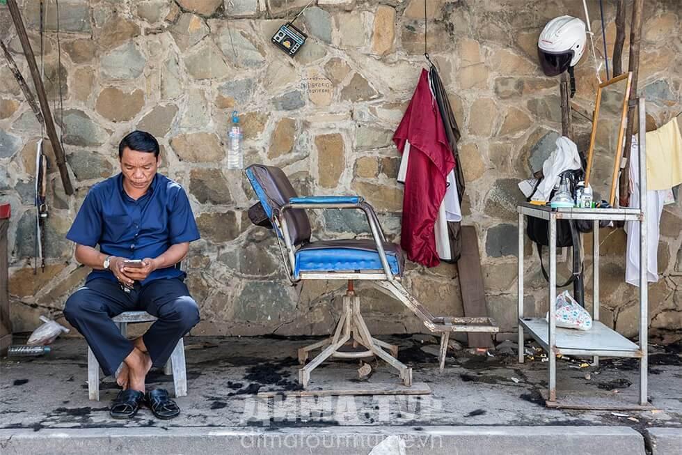 Уличные парикмахерские во Вьетнаме