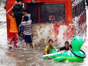 Затопление в сезон дождей - это весело