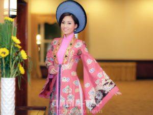 Аозай — национальный женский наряд вьетнамских женщин