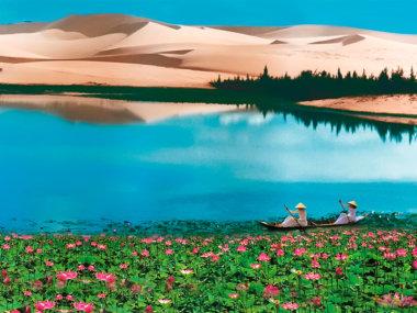 Лотосы на озере лотосов и Белые дюны в Муйне, Вьетнам (White sand dunes in Mui Ne, Vietnam)