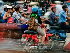 Невероятное количество мотоциклов на улицах Вьетнама