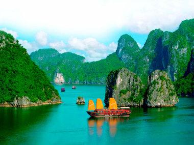 Бухта Халонг. Вьетнам. Экскурсия из Муйне