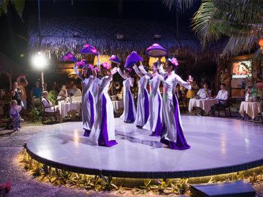 """Экскурсия из Муйне на фольклорный вечер с традиционным представлением и ужином в """"Дежавю"""""""