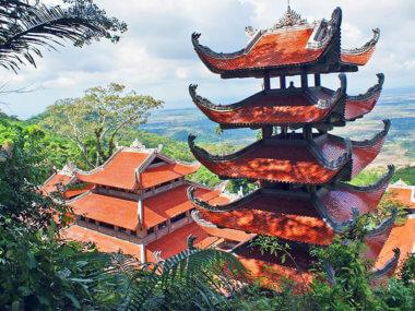 Экскурсия из Муйне к Лежачему будде на горе Таку