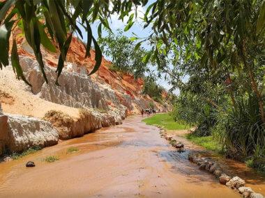 Экскурсия из Муйне на ручей Фей, Красный каньон, Белые дюны и озеро Лотосов
