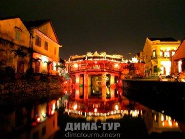Экскурсия в город Хойан