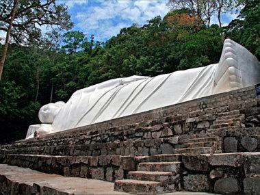 Лежачий будда во Вьетнаме