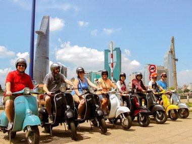 Мопеды Vespa во Вьетнаме
