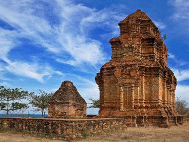Чамские башни в Муйне. Фантьет. Вьетнам