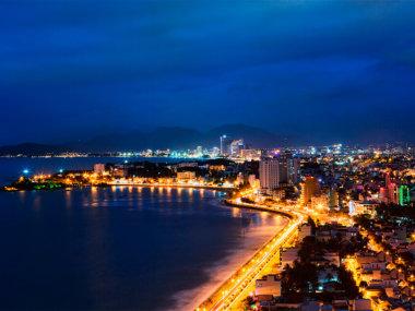 Нячанг ночью. Отели Вьетнама