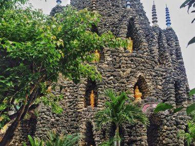 """Пагода-улитка"" (Туван) и лабиринт дракона в Камрани рядом с Нячангом"