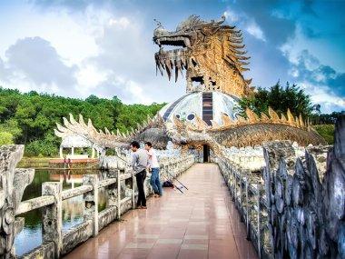 Заброшенный аквапарк в Хюэ